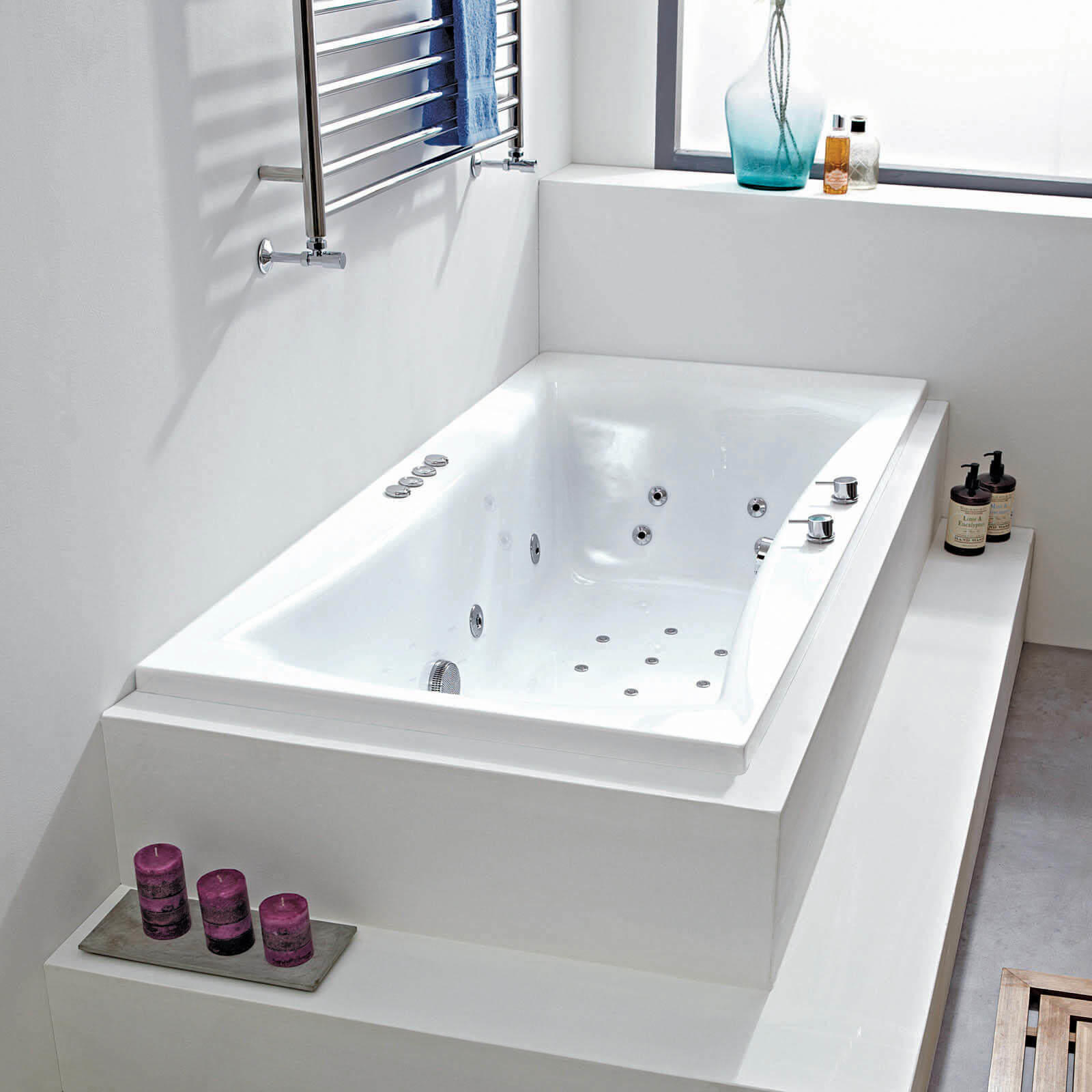 Cassiopeia 28 jet whirlpool bath 2 sizes - Bathtub in shower ...