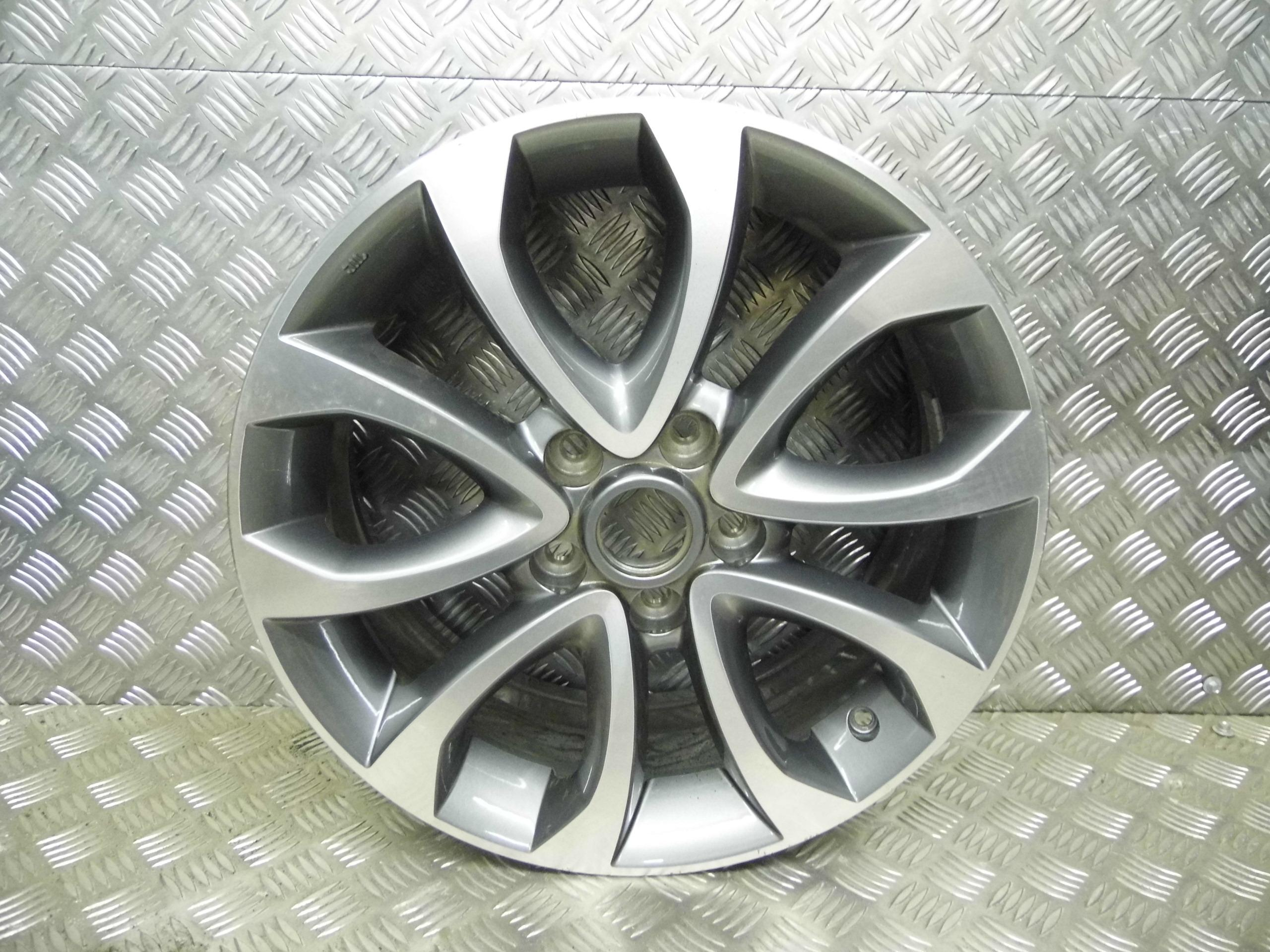 used 2011 nissan juke 7j x 17 inch 5 stud alloy wheel  no center cap