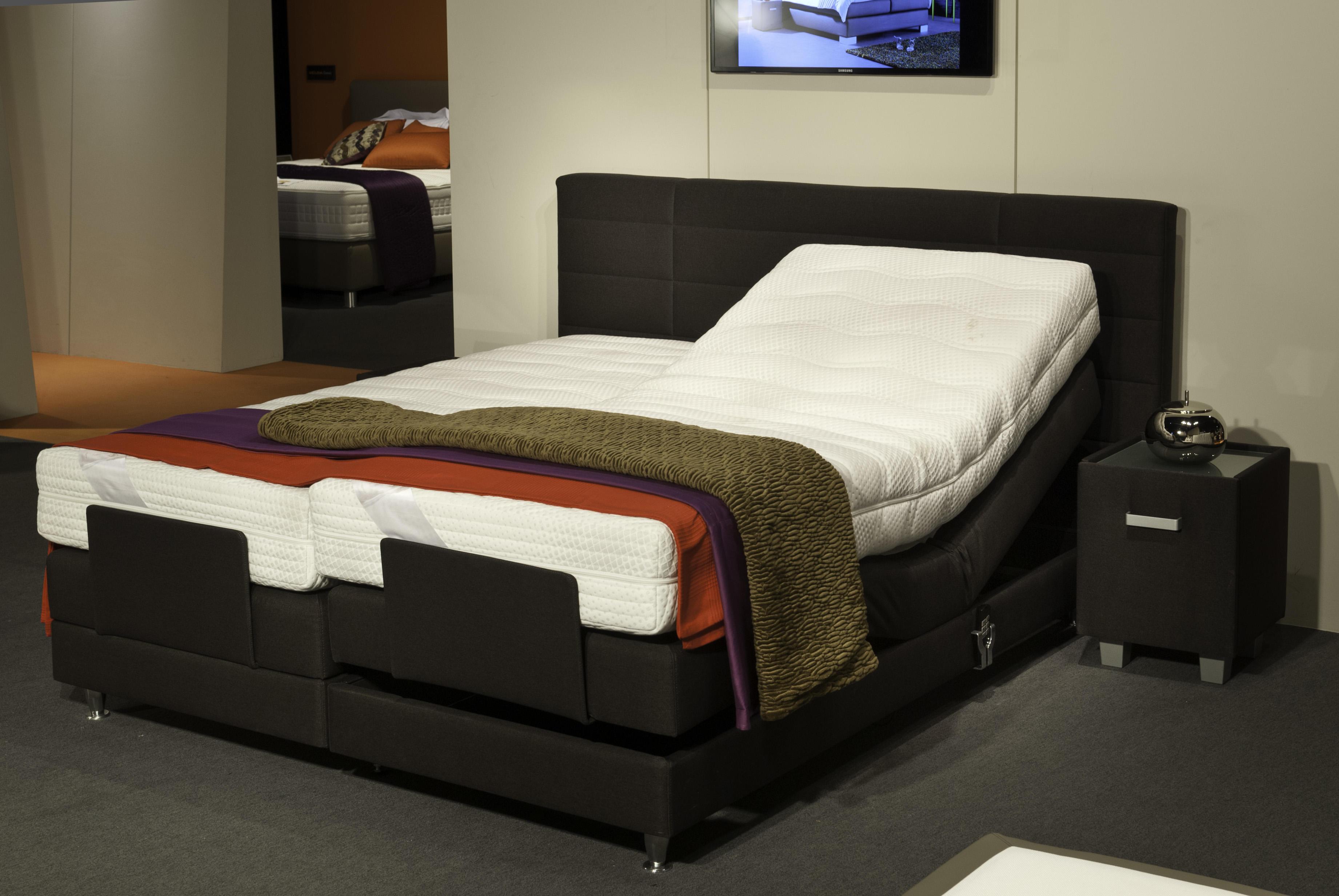 velda adjustable bed with ortho mattress. Black Bedroom Furniture Sets. Home Design Ideas