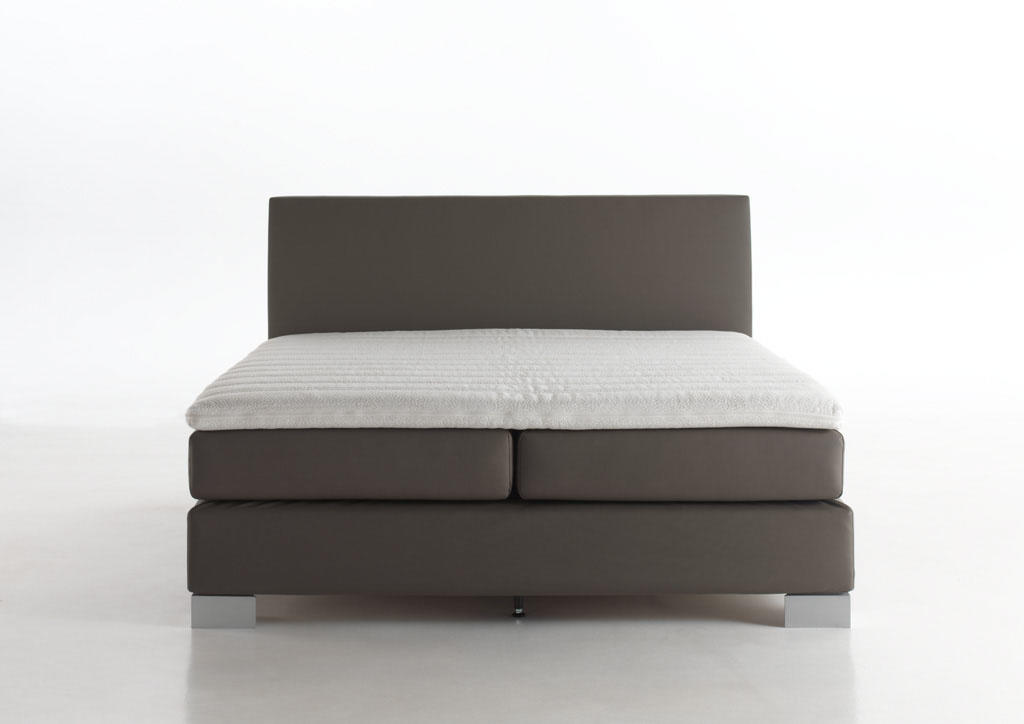 Velda Versus Boxspring Bed With Latex Topper