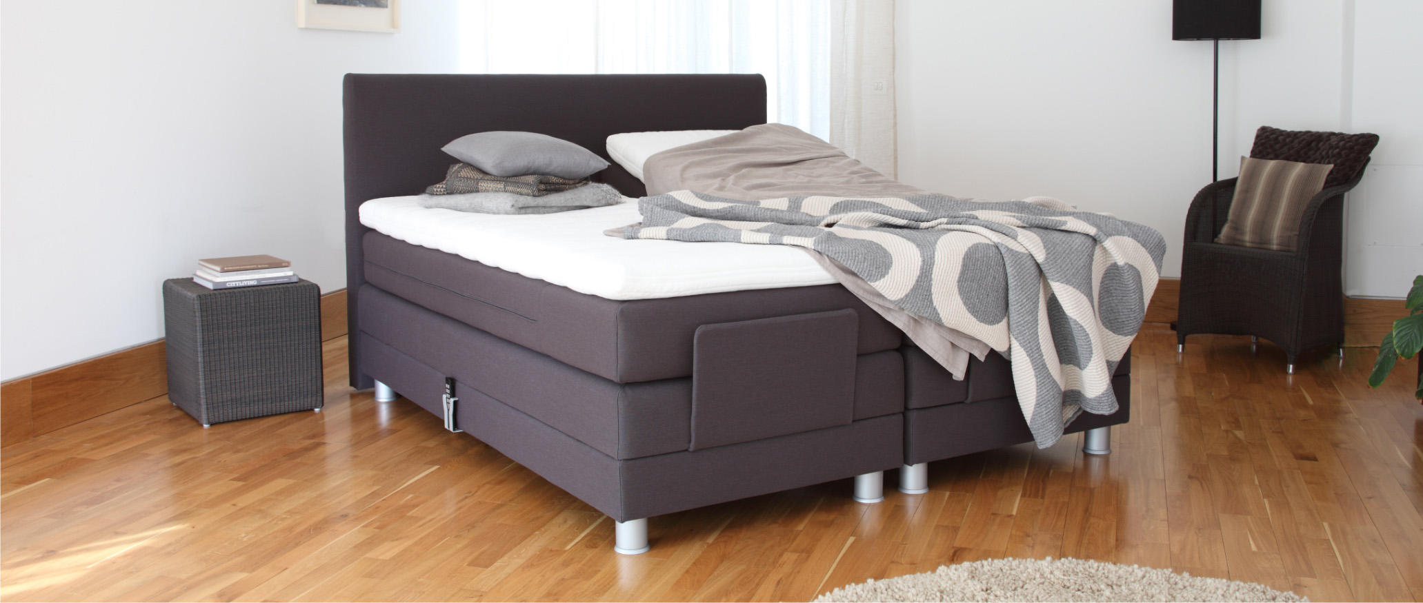 Adjustable Bed No Drawers With Grand Duchess Latex Mattress