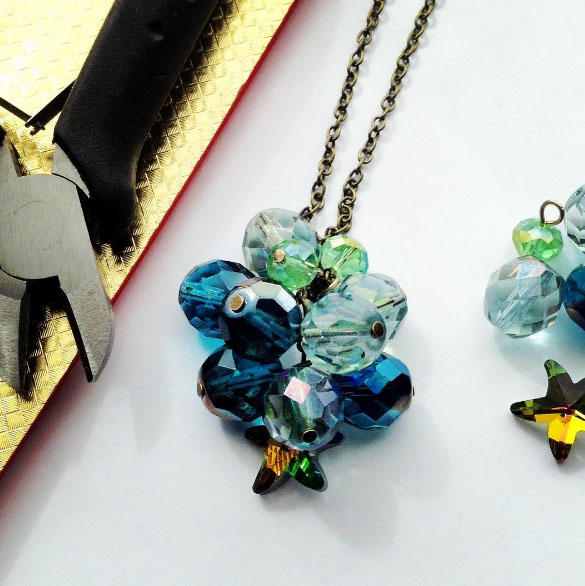 Neptune's Daughter Cluster Necklace Tutorial