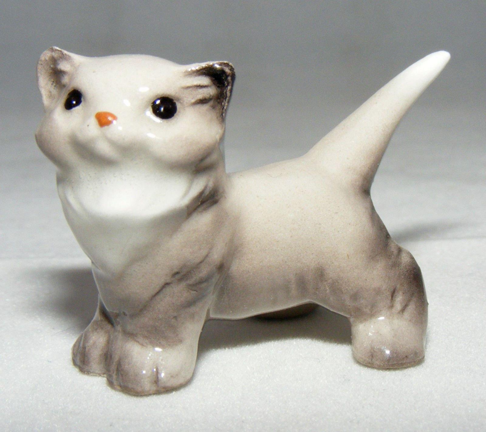 Hagen-Renaker Miniature Ceramic Animal Figure Kitten Sitting Up 4032