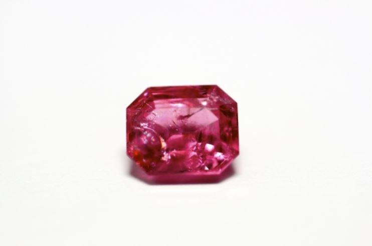 Pink Spinel 1.32 cts Emerald cut