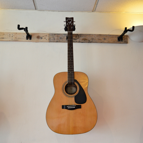 Yamaha F-310 Dreadnought Acoustic Guitar