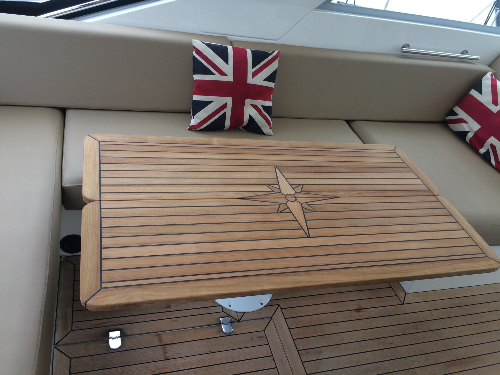 Nautic Star Sealine Sc35 F42 Table