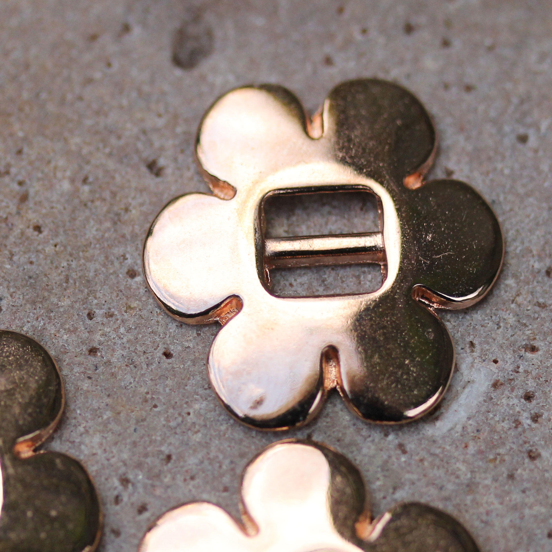 Rose Gold Flower Buckle