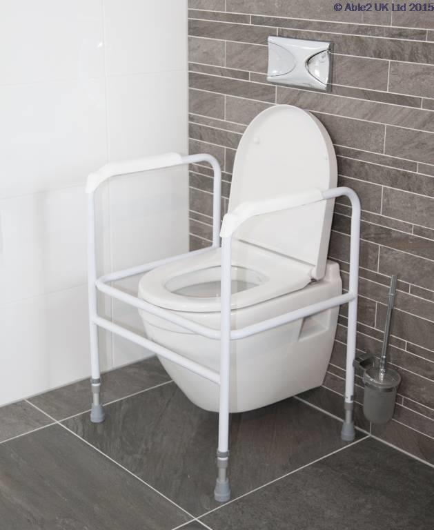 Toilet Surrounds & Commodes