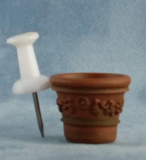 1/24th scale Victorian Terracotta Aged Plant Pots