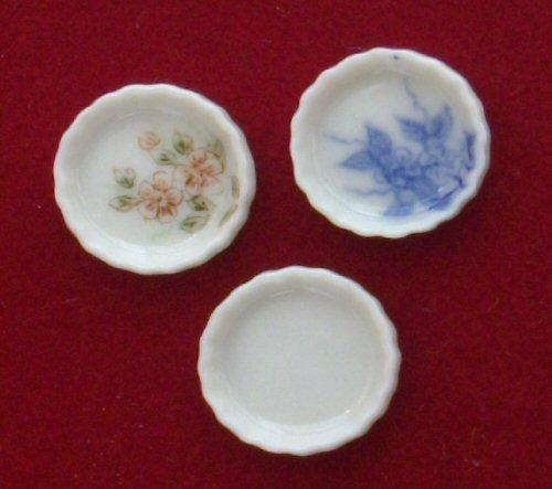 1/24th scale China flan dish available in blue and white, floral and plain white.