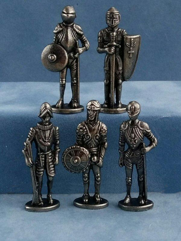 1/48th scale knights in Suits of Armour