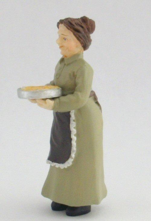 1/24th scale miniature maid with Pie Figure
