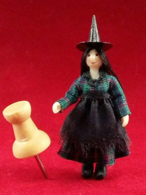 1/48th scale Miniature Witch doll with push pin for scale