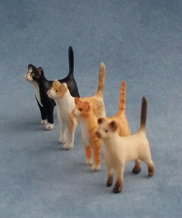 1/24th scale Standing Cats