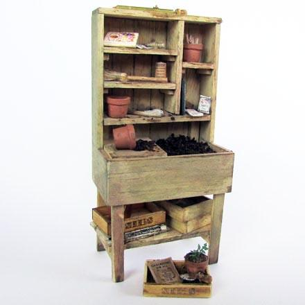 "1/24th scale ""Pottering"" Garden Potting Table Kit"
