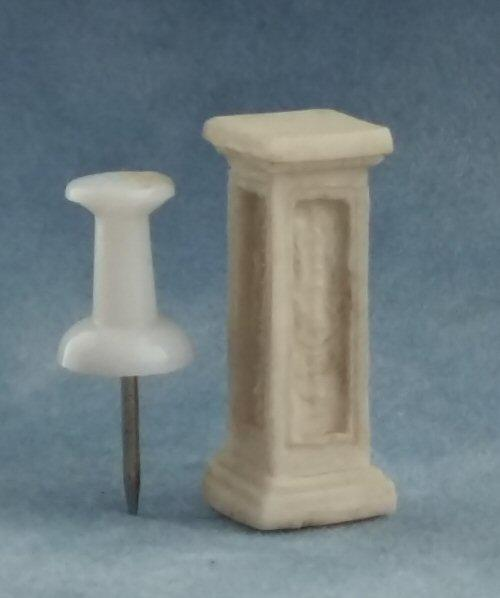 1/24th scale Stone Pedestal Display Stand