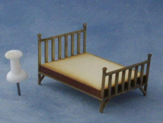 1/48th scale Double Brass Bed with pin for scale
