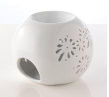 white ceramic essential oil fragrancer with fretwork petal decoration