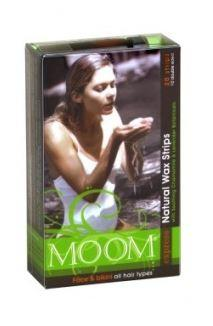 Clear plastic rectangle container with label inlay showing Moom express natural wax strips for face and bikini