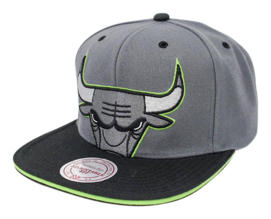 34991dd224c ... canada mitchell ness nostalgia co. chicago bulls thirteens cropped  snapback be381 6d95c