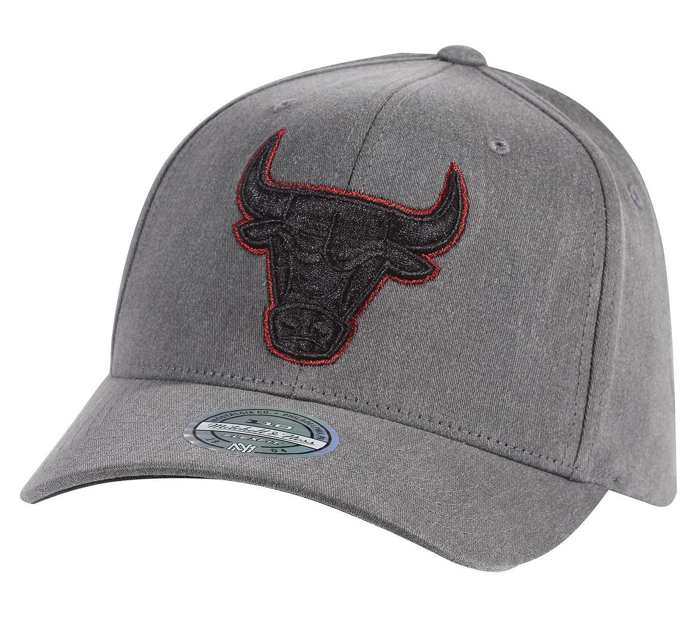 8ab4b6ab Mitchell & Ness | Chicago Bulls Washed Denim 110 Snapback