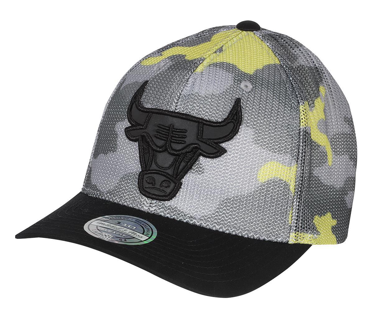 premium selection 9dcc1 84e08 Flou Camo 110 Snapback Chicago Bulls