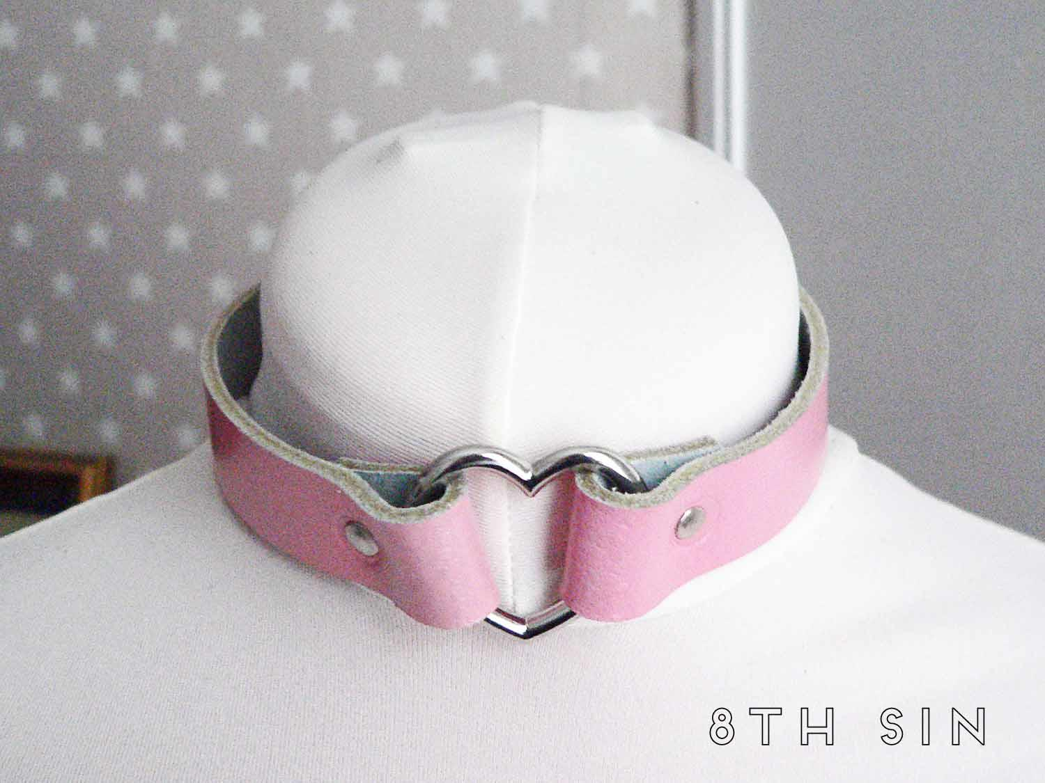 Pink Leather Heart Ring Choker