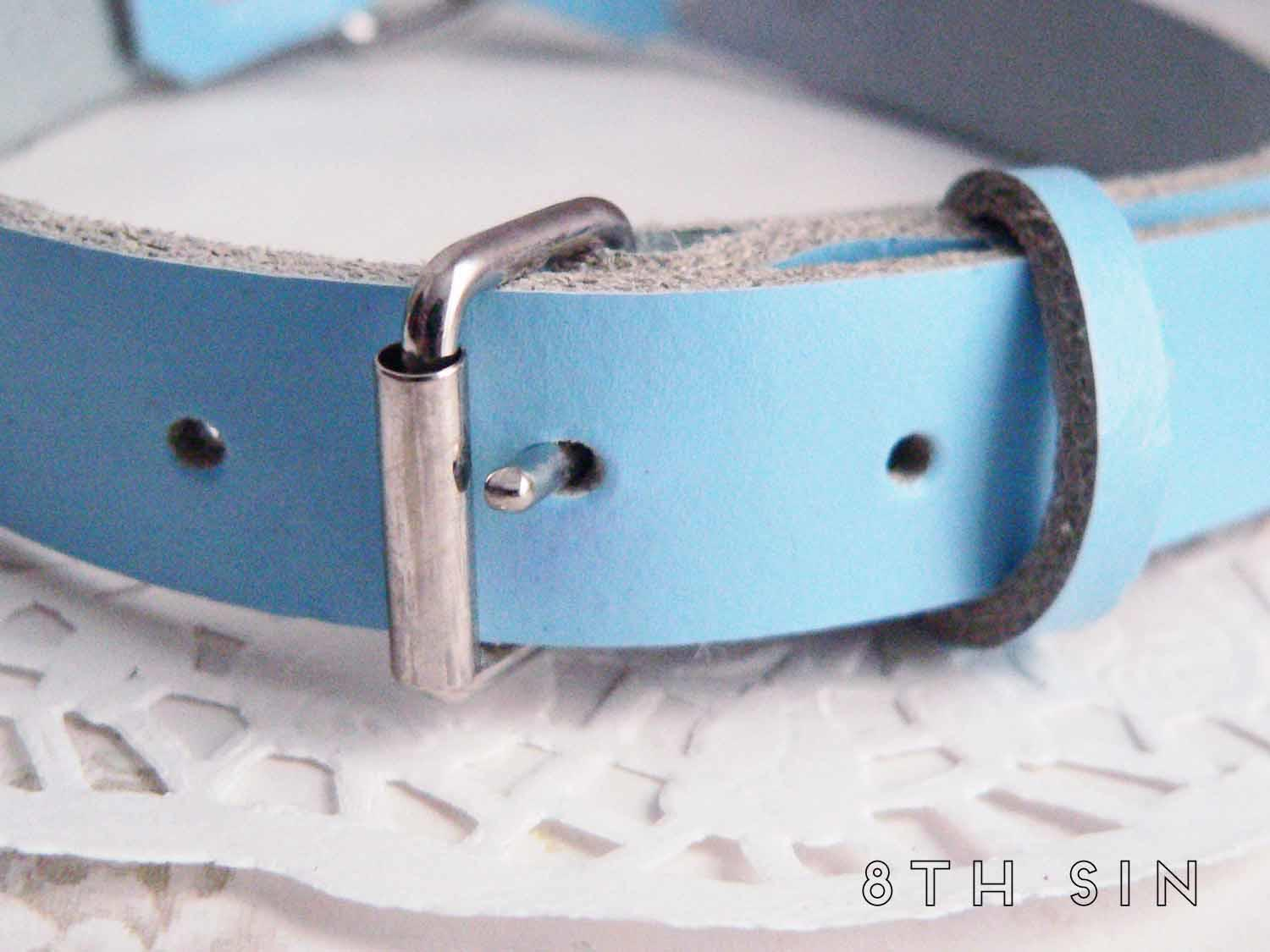 Blue Leather Heart Ring Choker