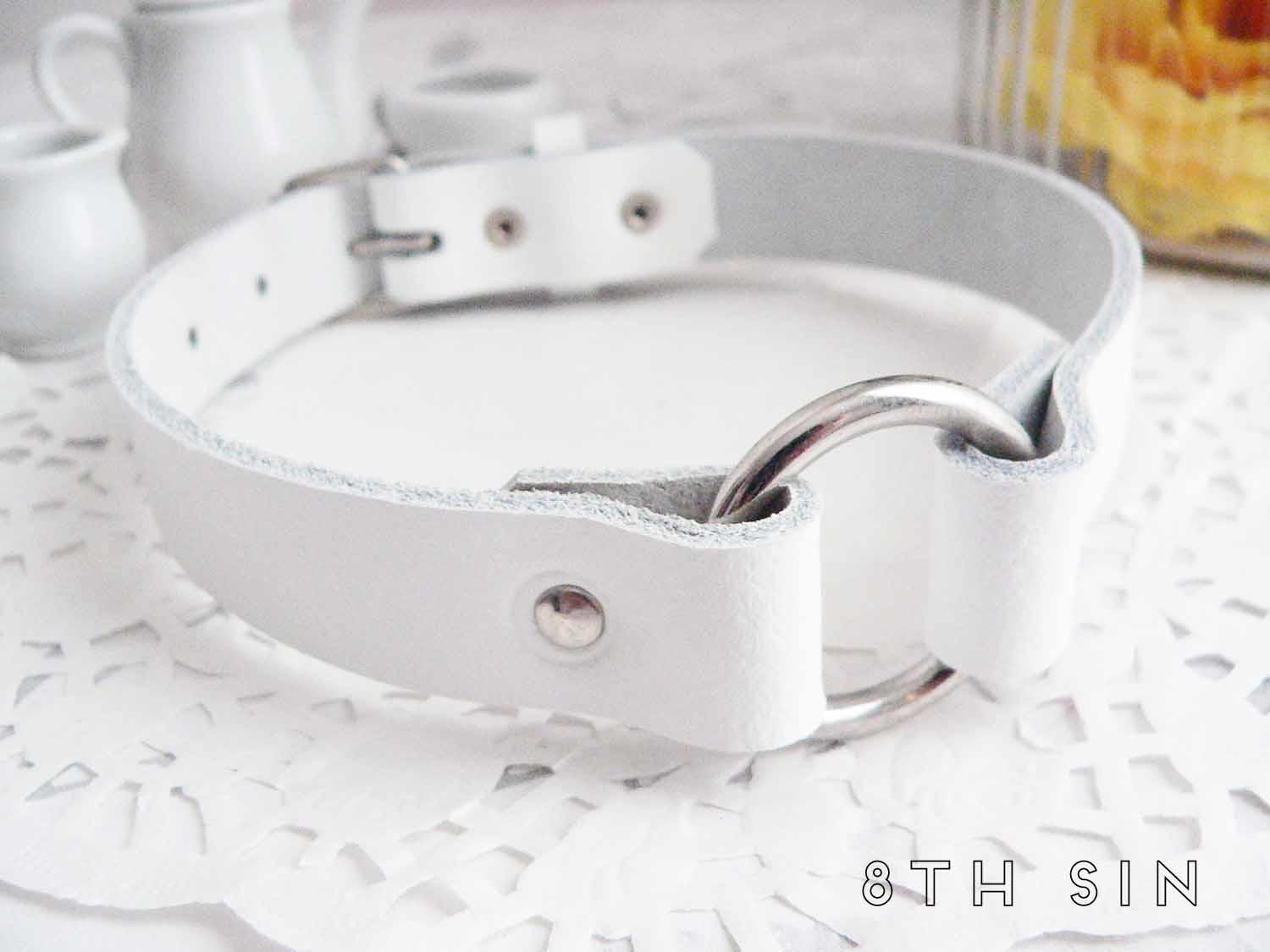 white o ring choker