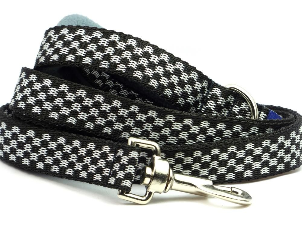 Black and white webbing long lead