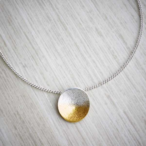 c6f98f6f8 Silver and gold ombre necklace by Melanie Ankers, Kokkino