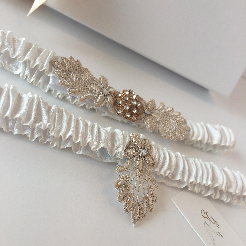 3001bb114 Vintage ivory wedding garter set Gatsby