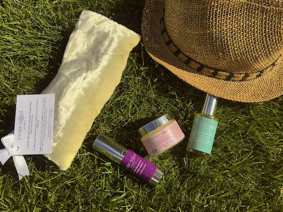 On-The-Go Beauty Tips for Festival Season