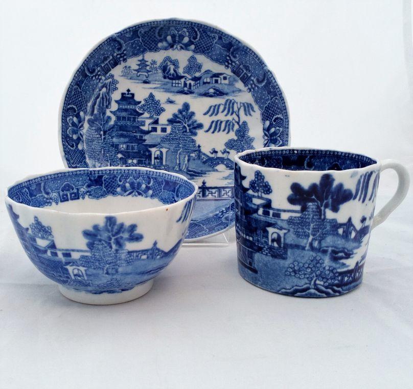 antique john rose coalport porcelain trio two temples broseley pattern