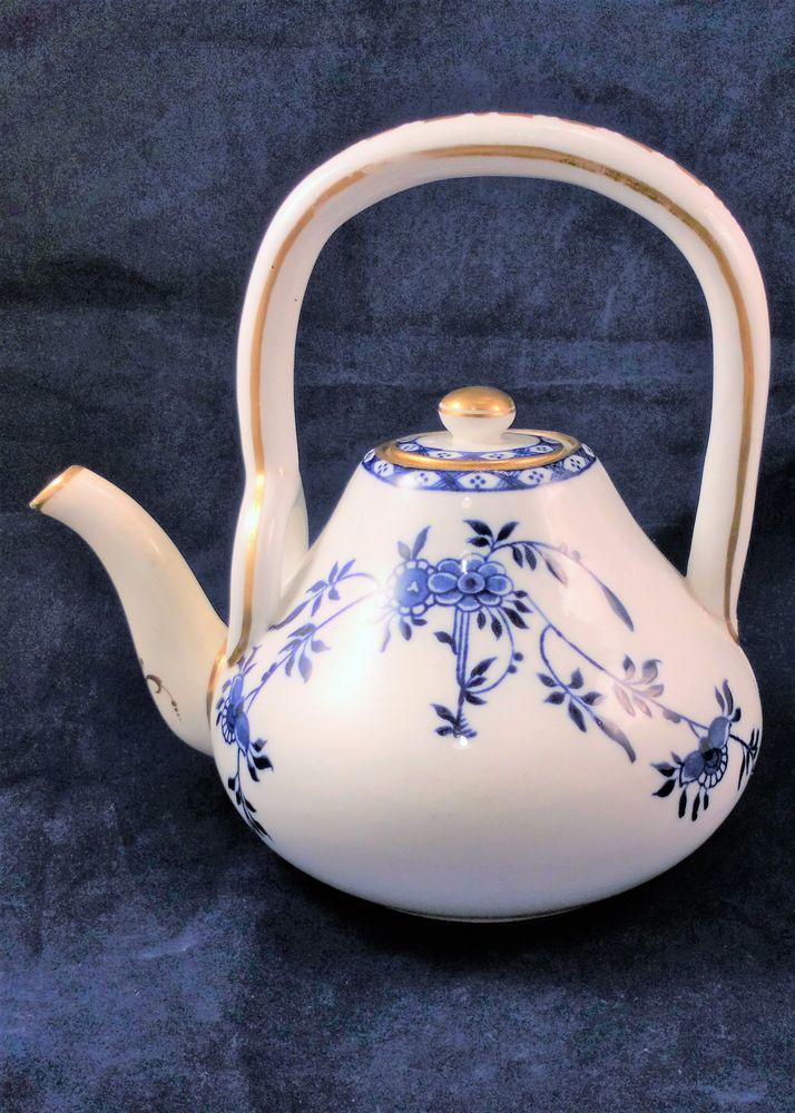 Mintons Porcelain Teapot Blue And White Aesthetic Movement