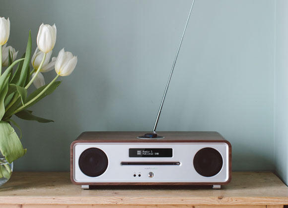 Ruark Audio R4 Mk3 CD, DAB, Bluetooth Music System in Rich Walnut Veneer