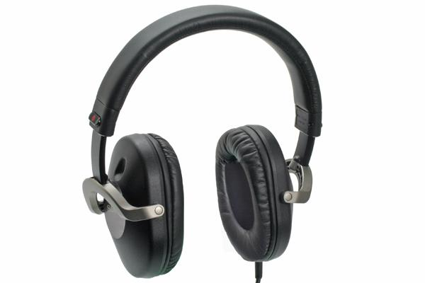 Sony MDR-ZX700 Closed Back Headphones