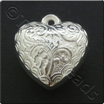 Metalised Silver Heart 20x22x12mm