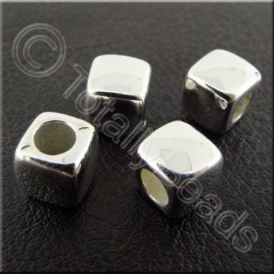 Metalised Acrylic Cube - 7mm - Silver 80pcs