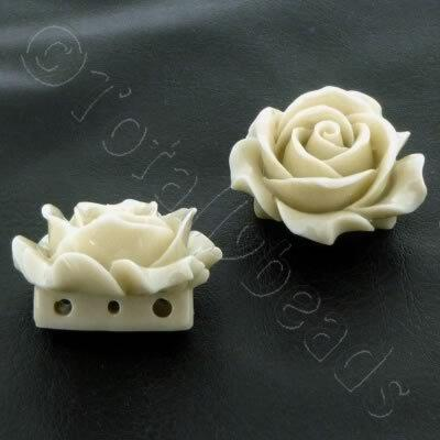 Acrylic Rose 35mm 3 Rows - Vanilla
