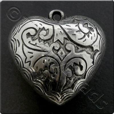 Metalised Antique Silver Heart 34x34x17mm