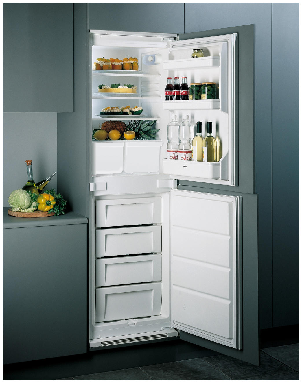 Built-In/In-Column-Fridge-Freezers