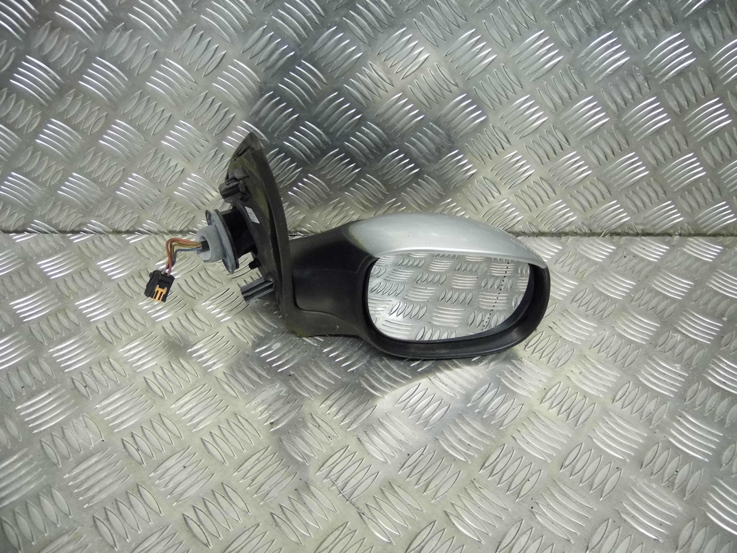 Used 2004 Peugeot 206 Hatchback Under Bonnet Fuse Box Drivers Side Silver Electric Wing Mirror Front View