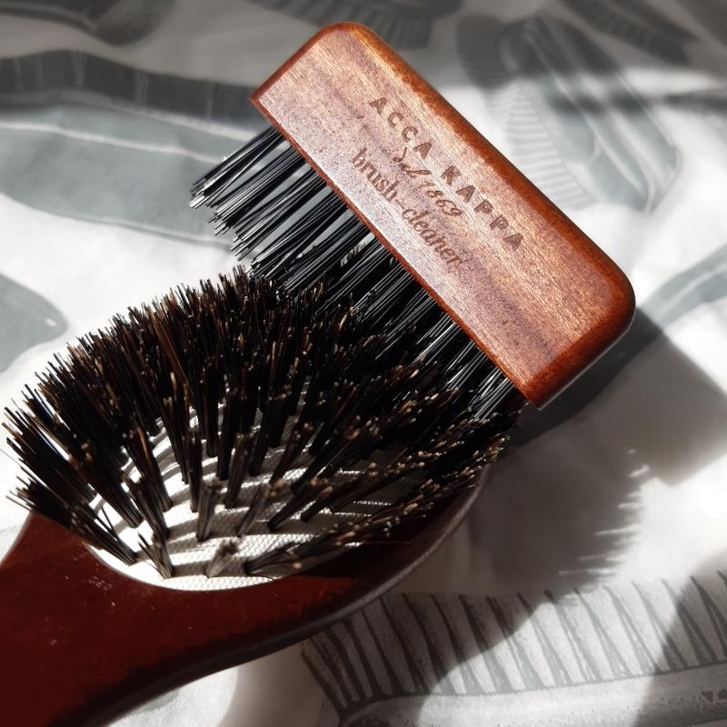 The Kotibé wood brush cleaner by ACCA KAPPA