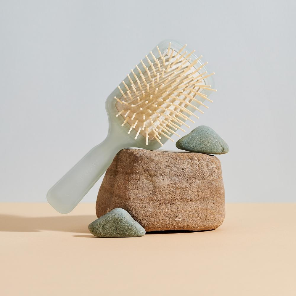 Pictured: The Eco-Sustainable EYE Collection by Acca Kappa, Green Travel Paddle Brushes.