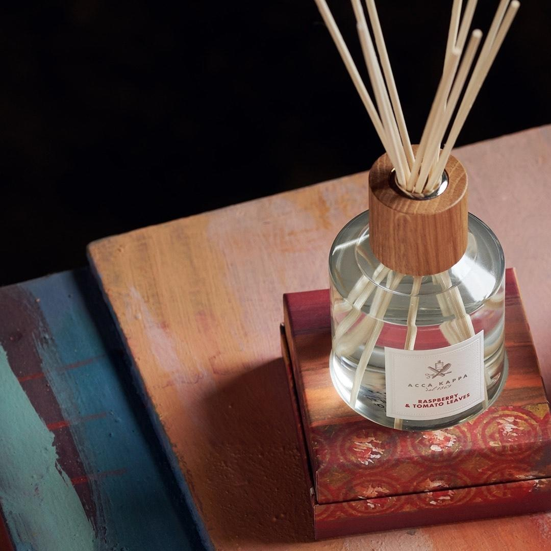 Pictured: The Raspberry & Tomato Leaves diffuser by Acca Kappa