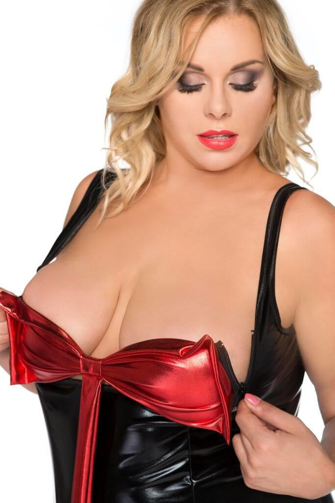 Plus Size Surprising Red & Black Chemise close up