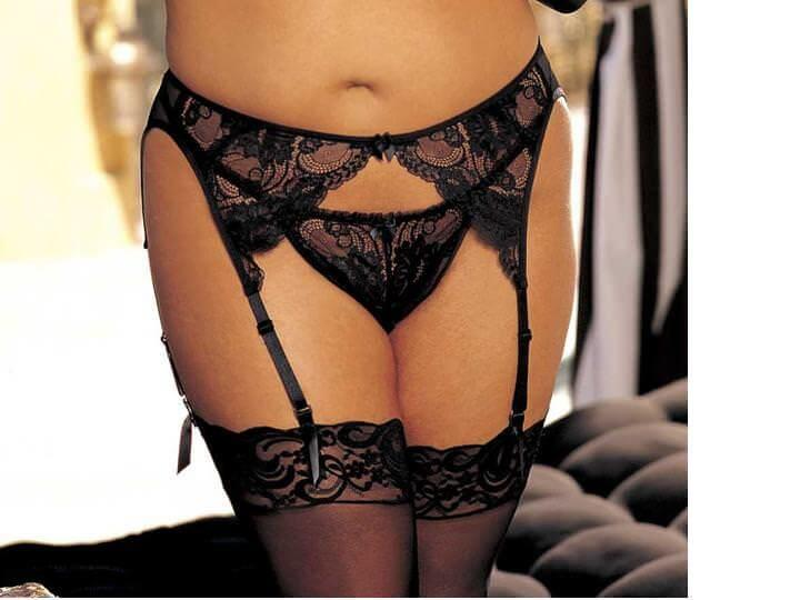 Black Plus Size Lace Suspender Belt