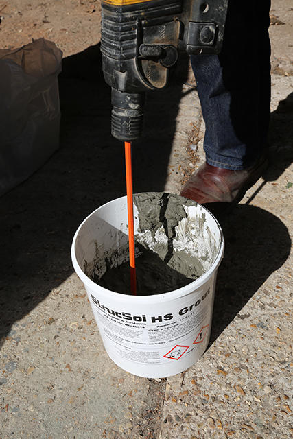 grout-mixing.jpg