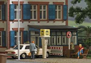 Busch 7763 Mini Scene Taxi Rank